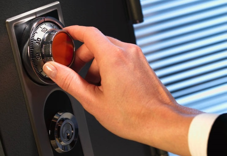 What To Keep In A Safety Deposit Box Vs. A Safe